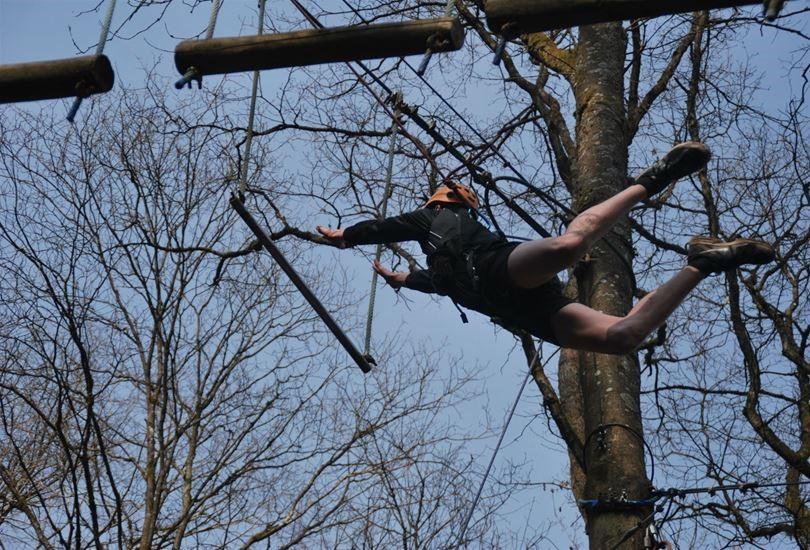 <p>Oser sauter sur un trapèze ou dans le vide (en totale sécurité bien sûr !)</p>